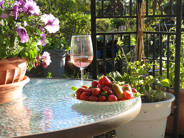 Summer Wine And Strawberries